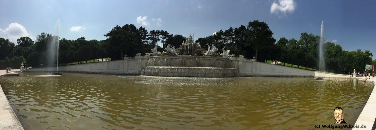 Wien Neptunbrunnen Panoramabild