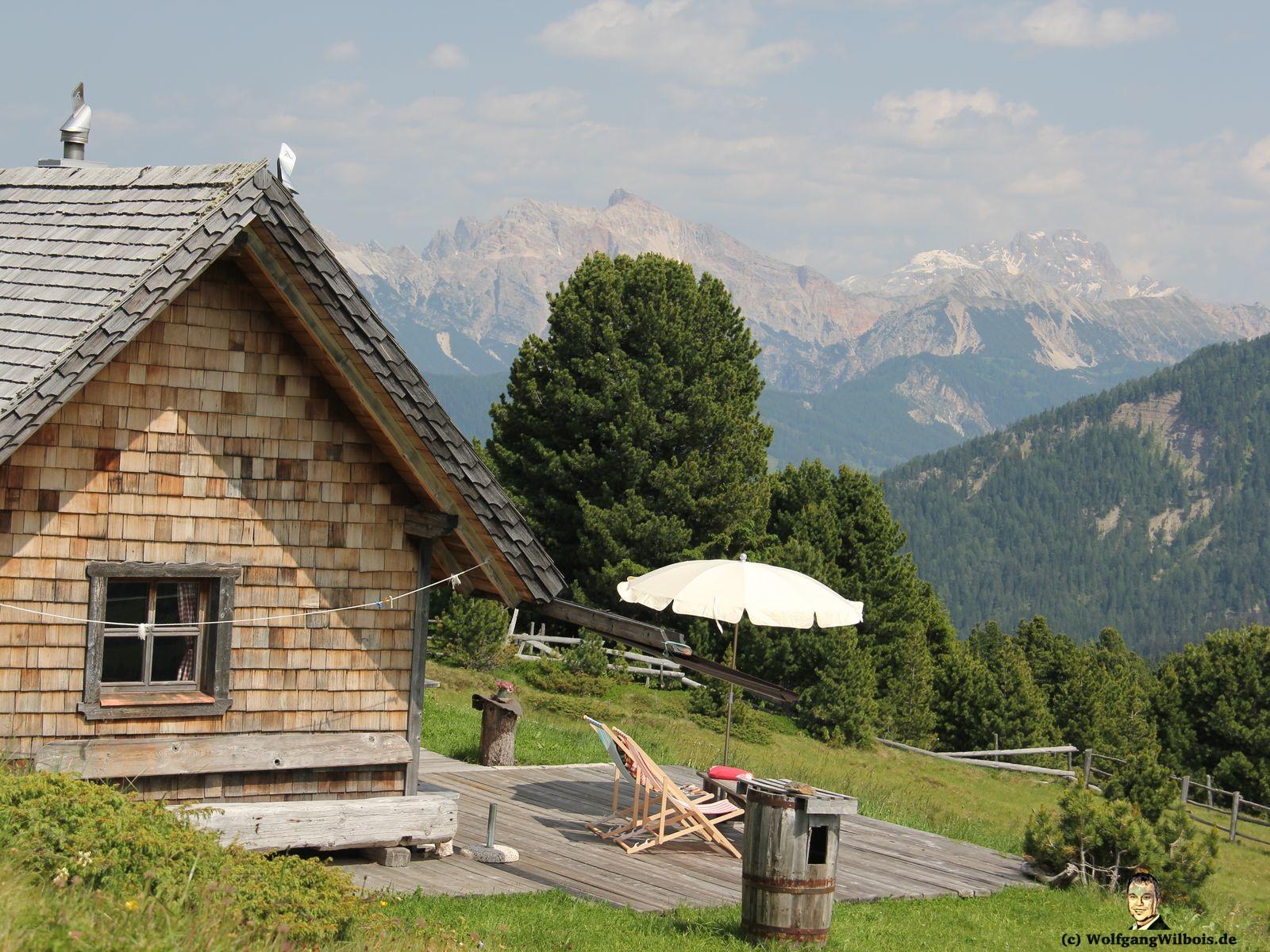 Costaces Huette Wuerzjoch Terrasse