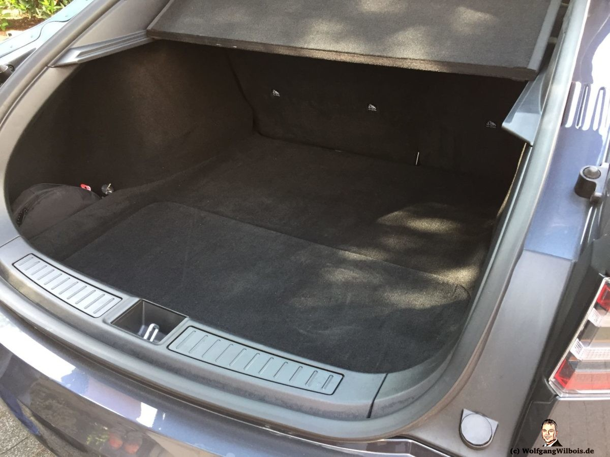 Tesla Model S P100D Kofferraum hinten