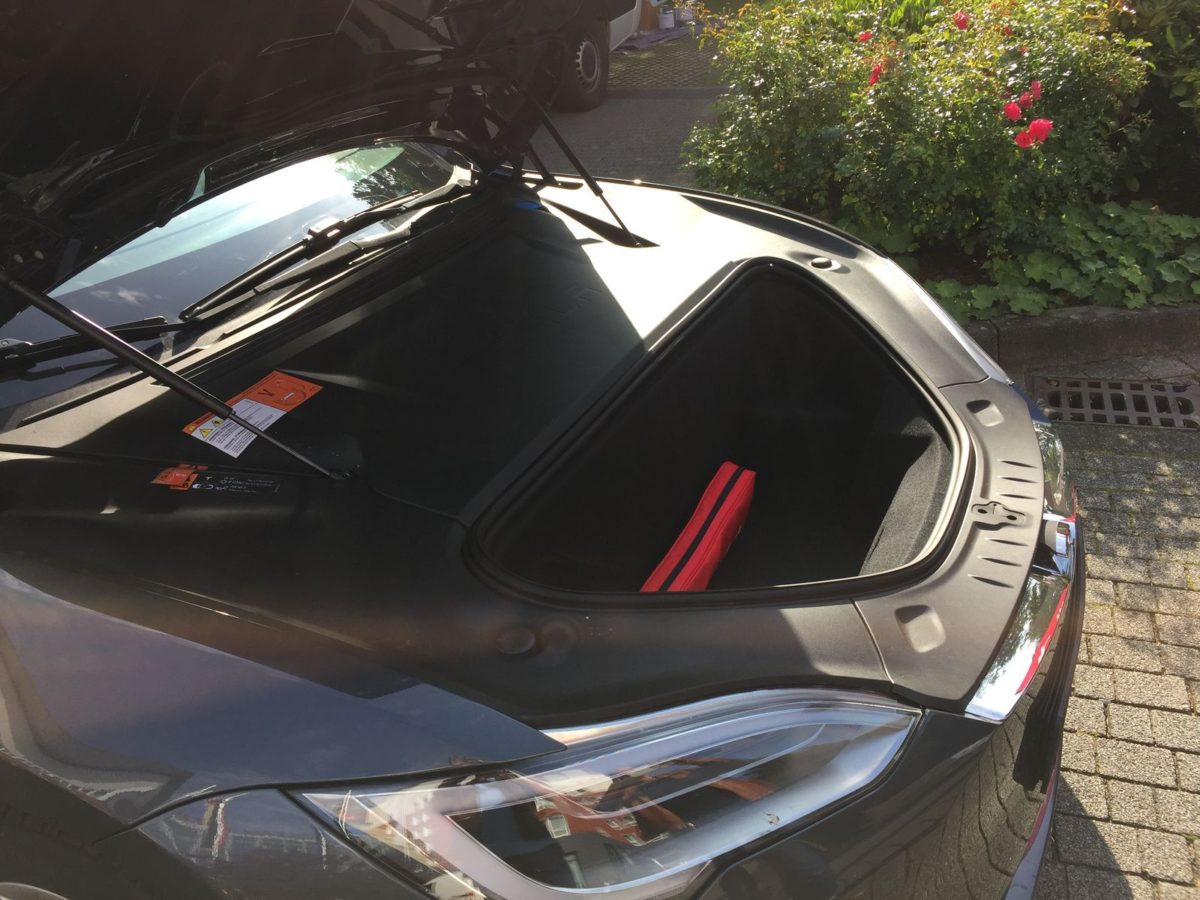 Tesla Model S P100D Kofferraum vorne