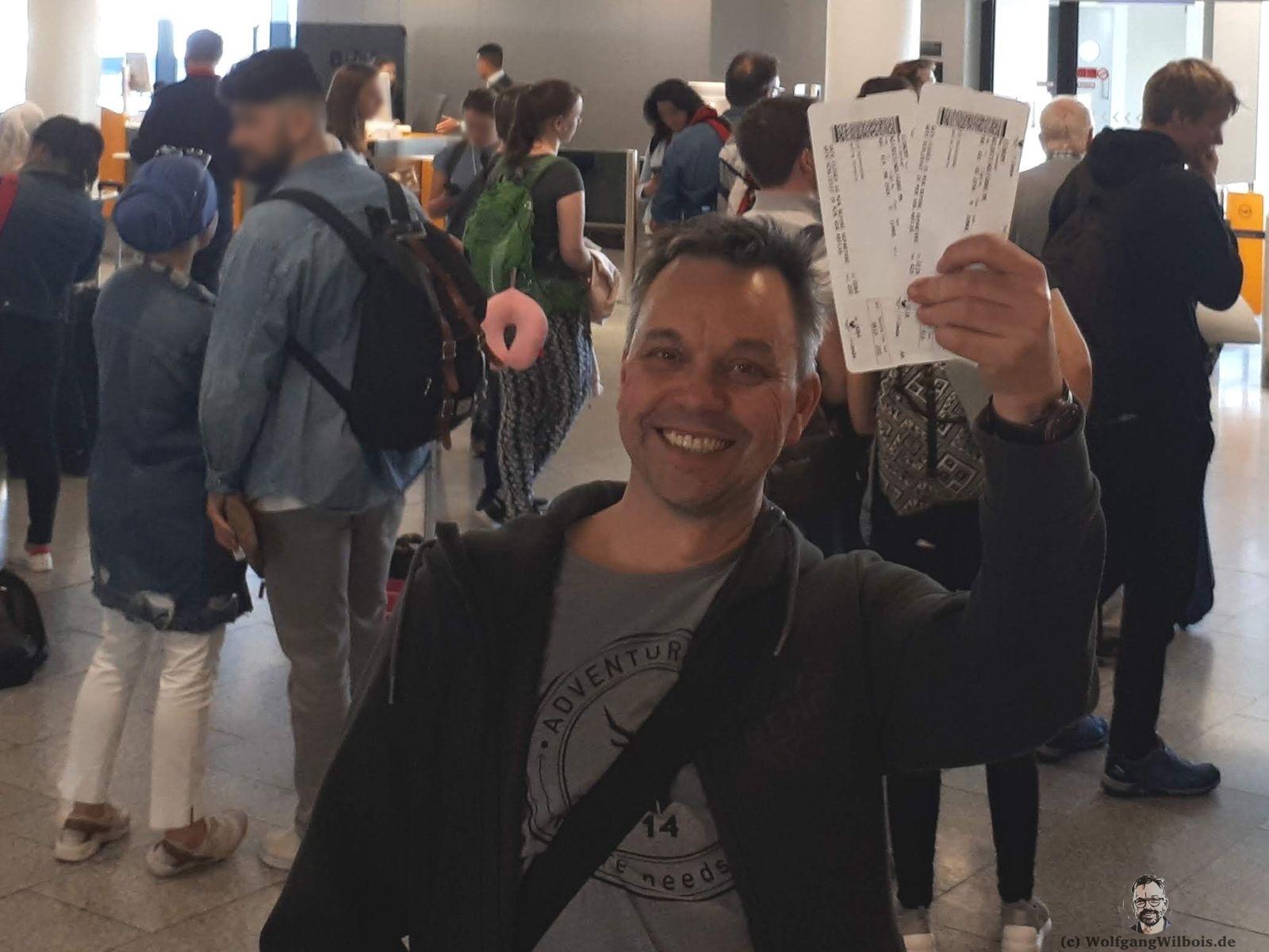 Backpacking Borneo Tickets für den Flug mit Condor