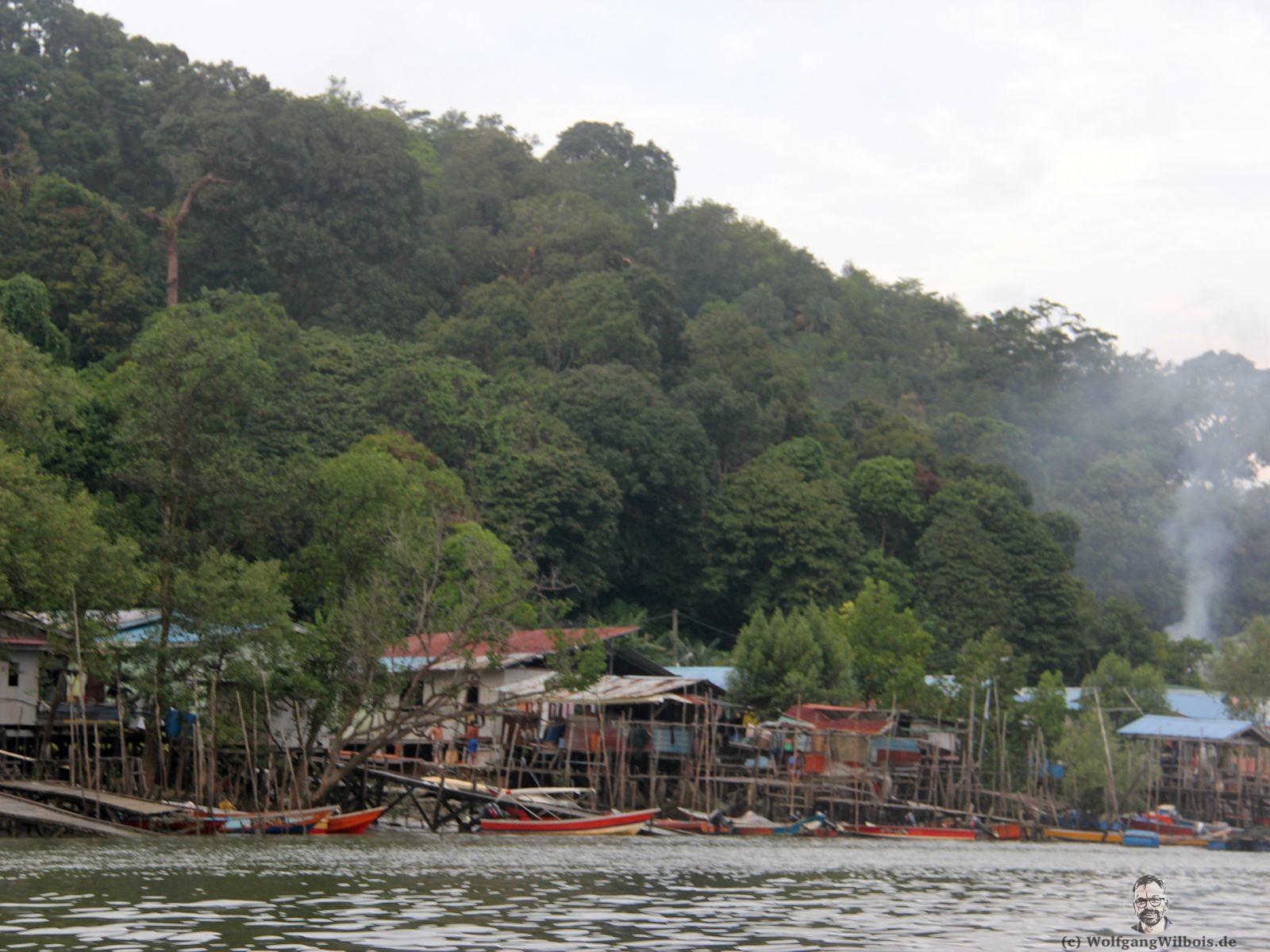 Backpacking Borneo Santubong Bootstour
