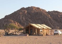 Namibia Tag 02 Desert Camp Haus