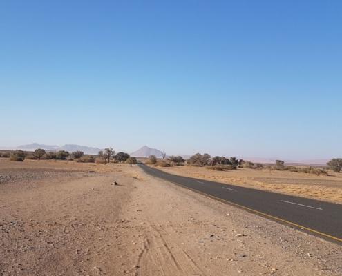 Namibia Tag 03 Strasse nach Deadvlei